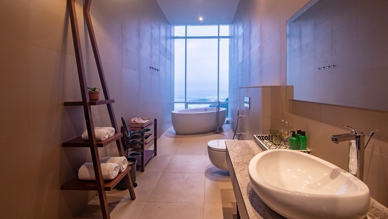 villa 50 talpe bathroom
