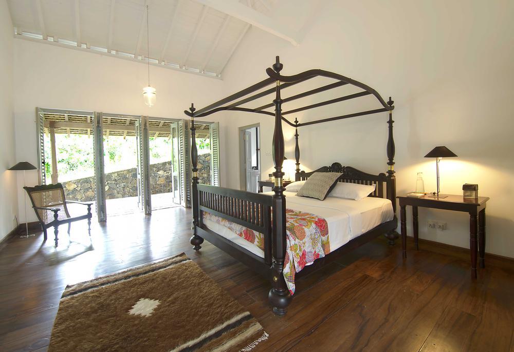 ensuite Master suite bedroom Ivory villa Sri Lanka