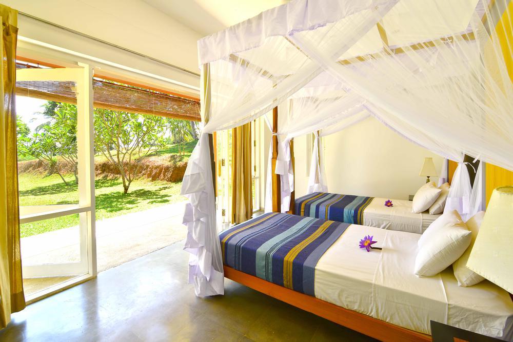 Garden Twin ensuite bedroom Dikwella Villa