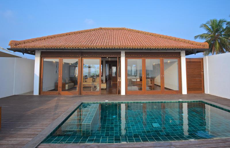 Swimming pool Thalahena Villas