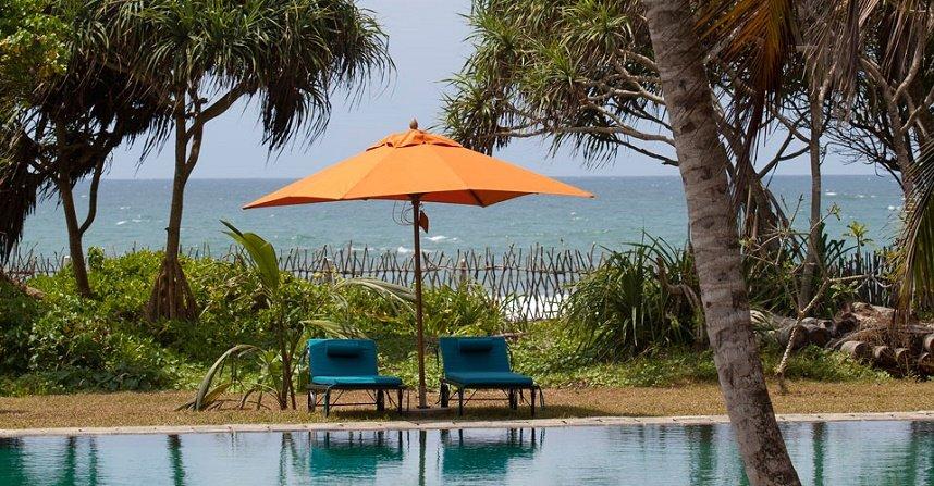 Pool Garden Mirissa Beach villa Sri lanka