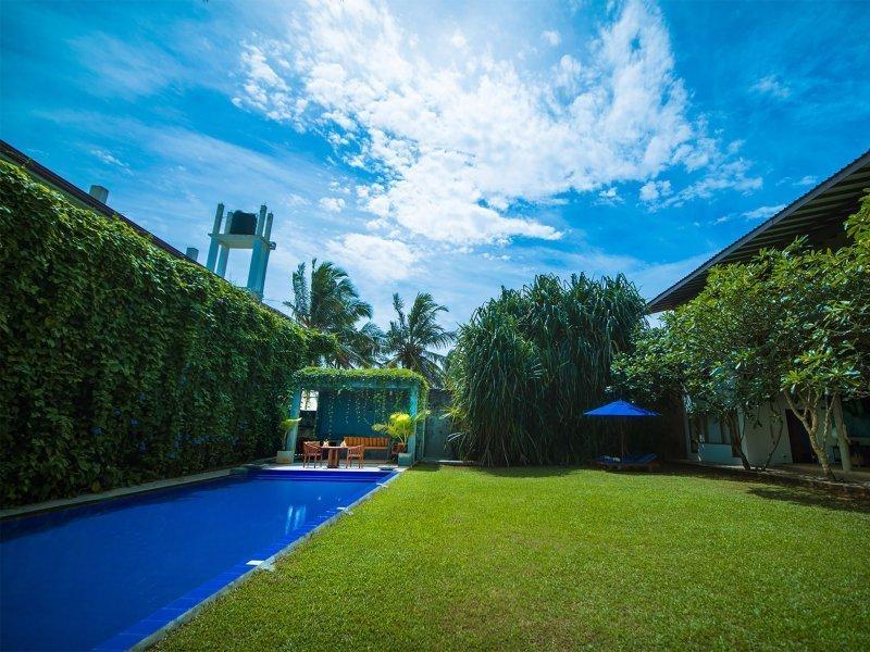Private Simming pool Villa Bentota