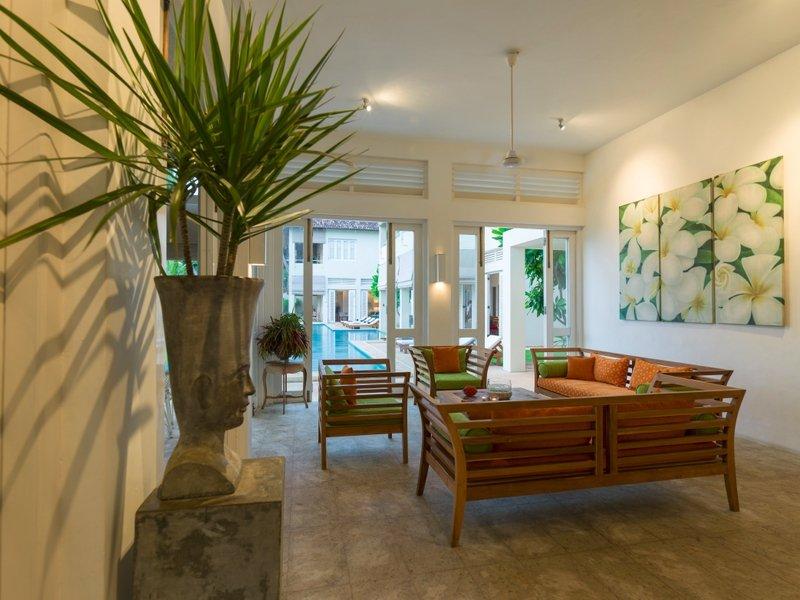 Sri-villas-Araliya-living-room