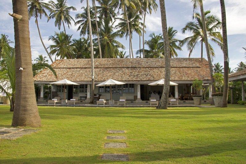 garden view sri lankan villa