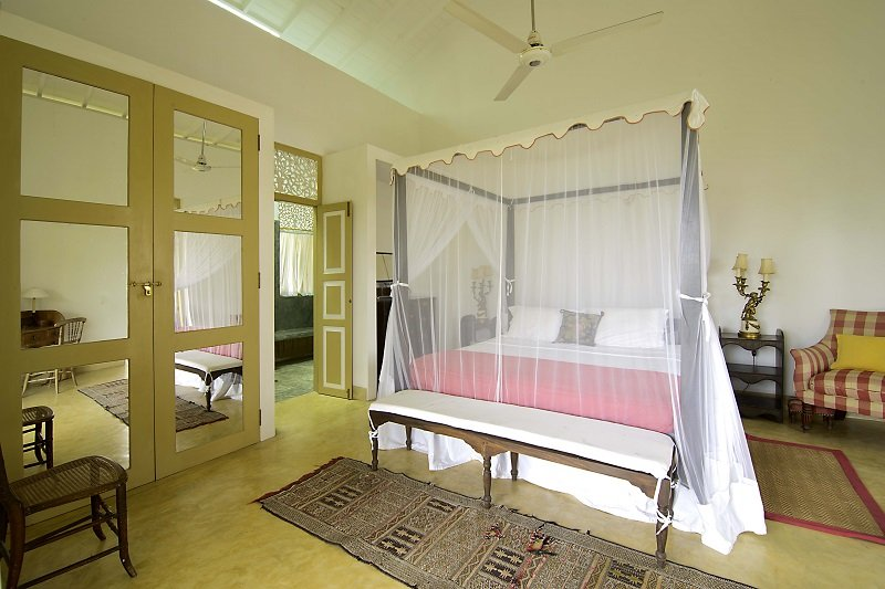 Double ensuite bedrooms Hill top villa Galle