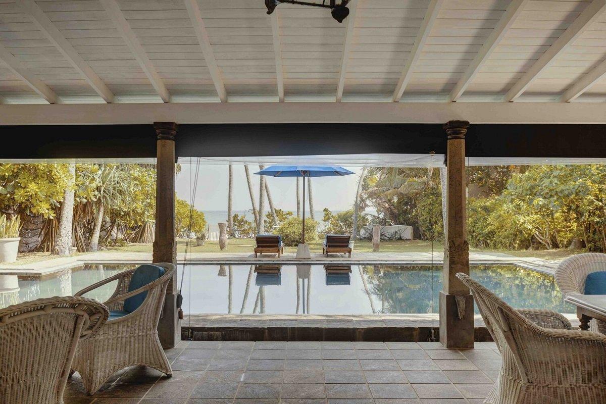 Luxury Beachfront villa thalpe Galle