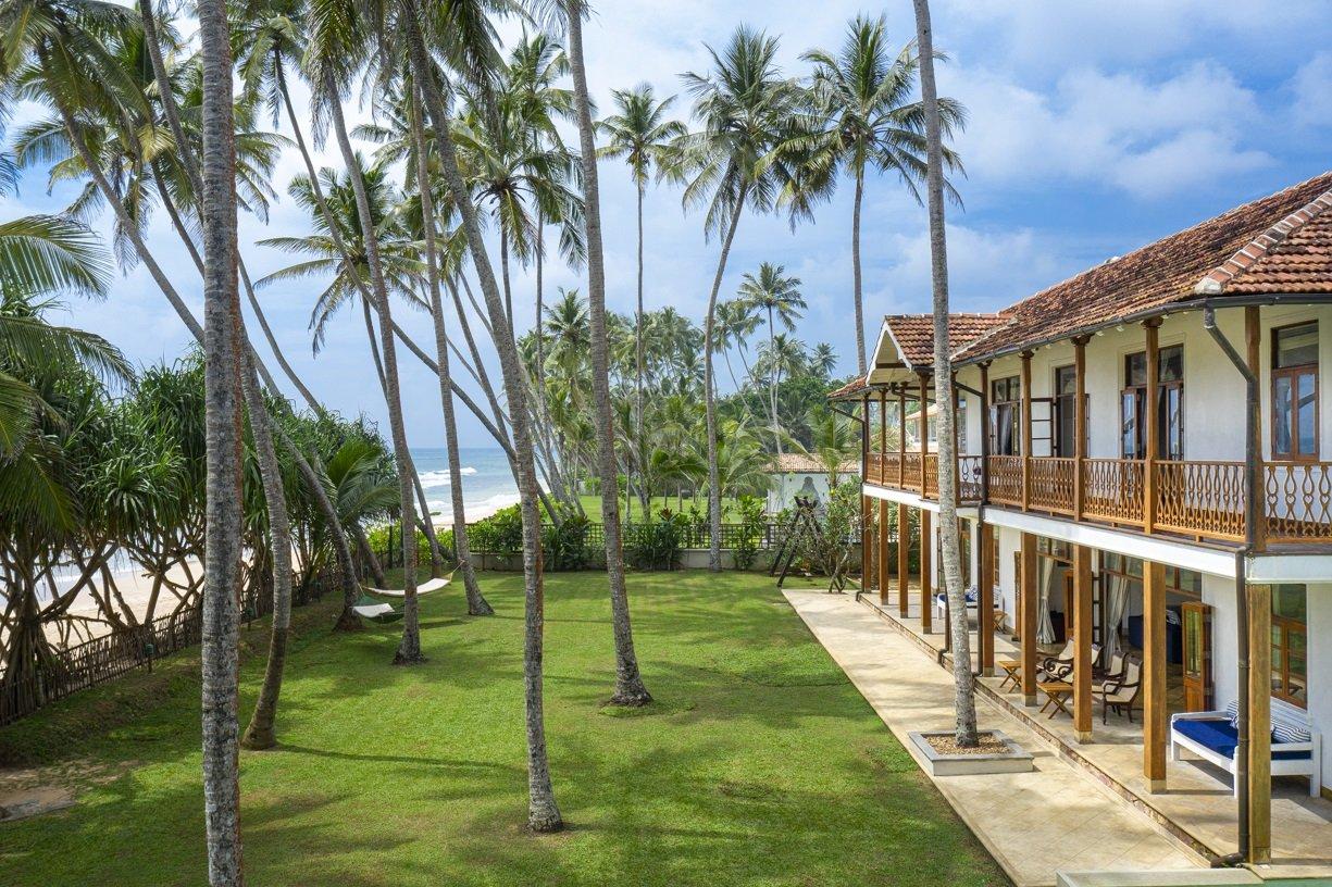 House pool garden Luxury beach villa habaraduwa