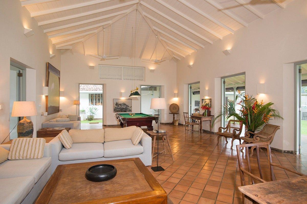 LIving interior Sofa Villa Wleigama Suriyawatte