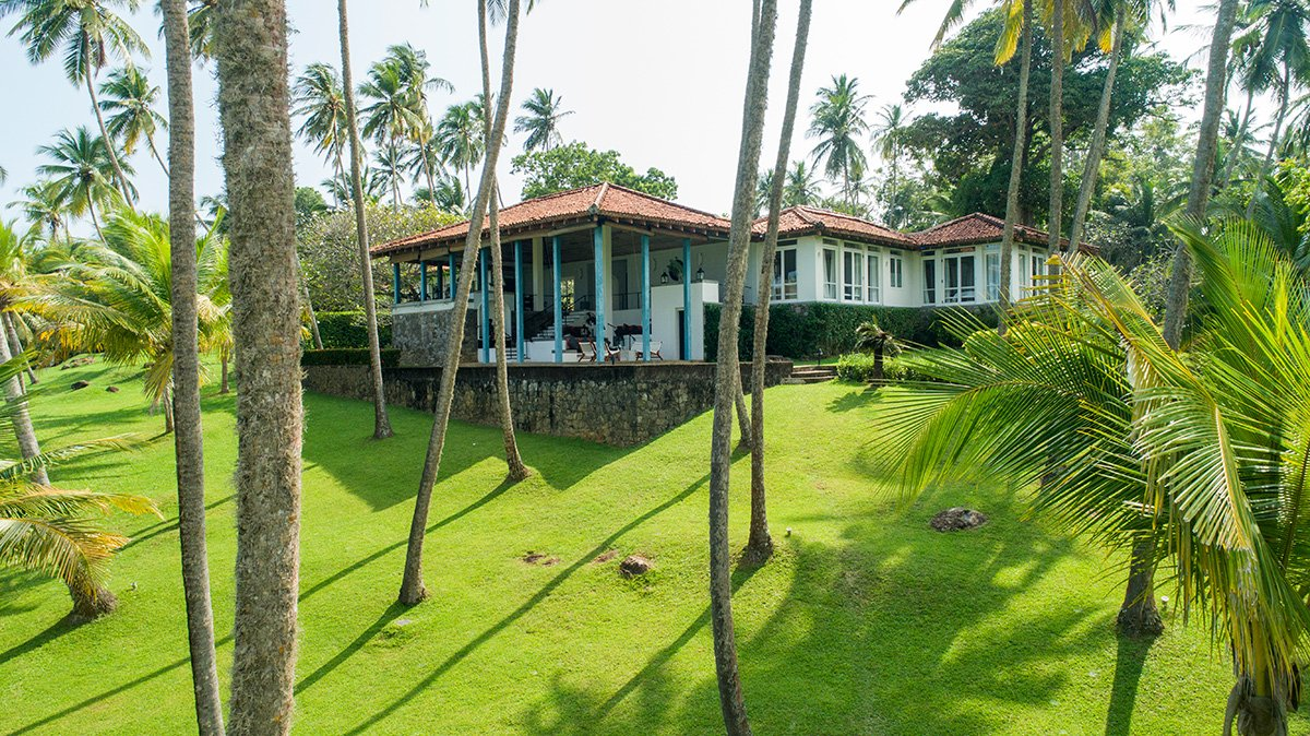 Garden and pool tangalle luxury private villas