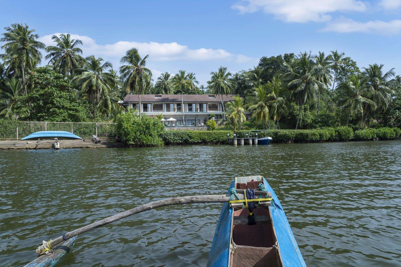 Boat arrive Luxury villa rental in Koggala Lake near Galle